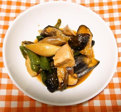 夏野菜と鶏のピリ辛味噌炒め