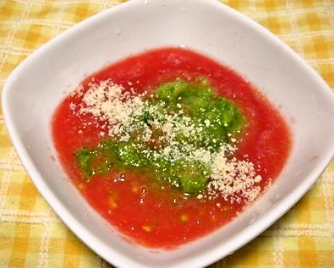 トマトとキュウリのすり下ろしスープ